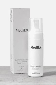 čistiaca pena s obsahom kyselín medik8
